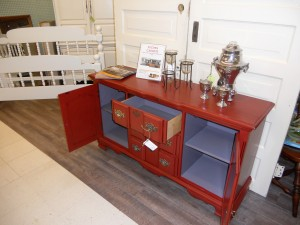 painted_red_buffet_with_deep_walnut_glaze_02