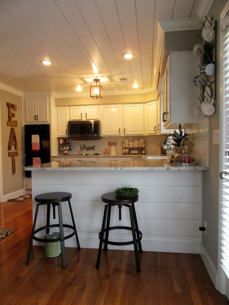 Split Level Kitchen Remodel Photos: Bright White Farmhouse-Style Inspired Kitchen In A Classic